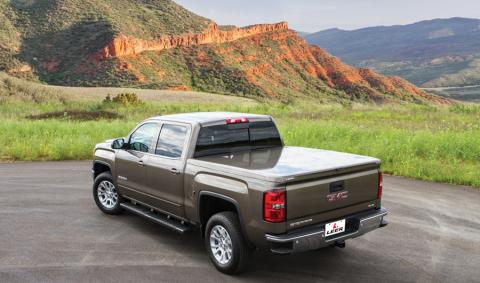 Tonneau cover leer 550 truck cap on GMC